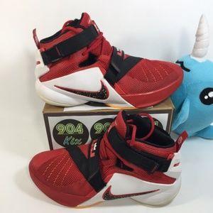 Nike LeBron Soldier 9 Sz 7Y